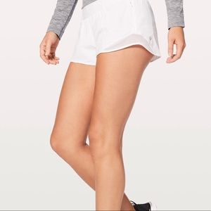 Lululemon Hotty Hot Shorts 2.5